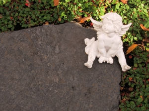 tiny-angel-figurine-1433183-m